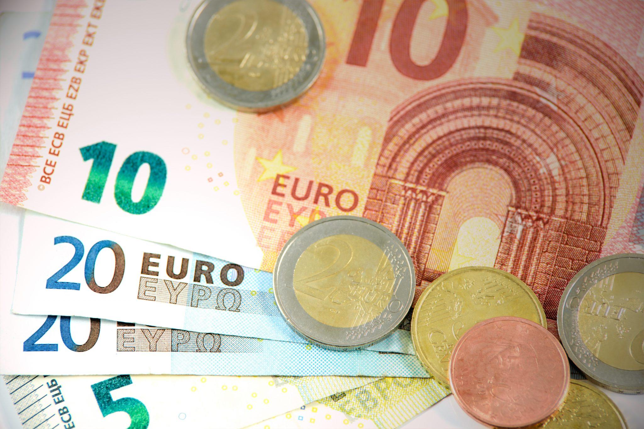 euro-1557431